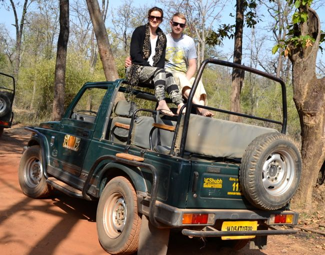 safari jeep iin Bhandhavgarh National Park