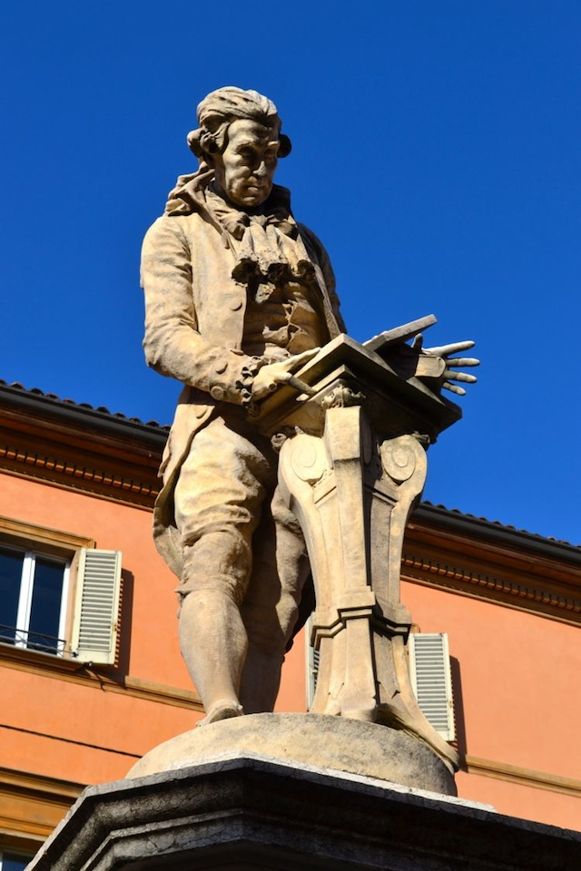Statue reading in Bologna