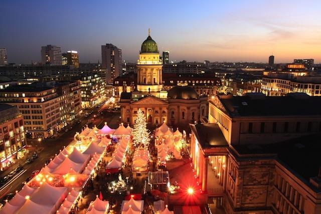 berlin xmas market_109979756