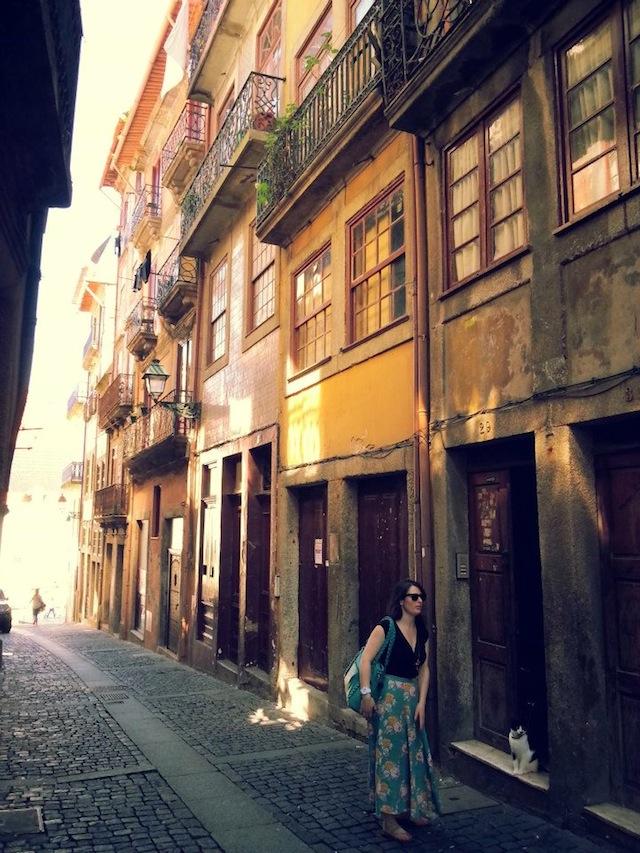 Elle Croft in Porto