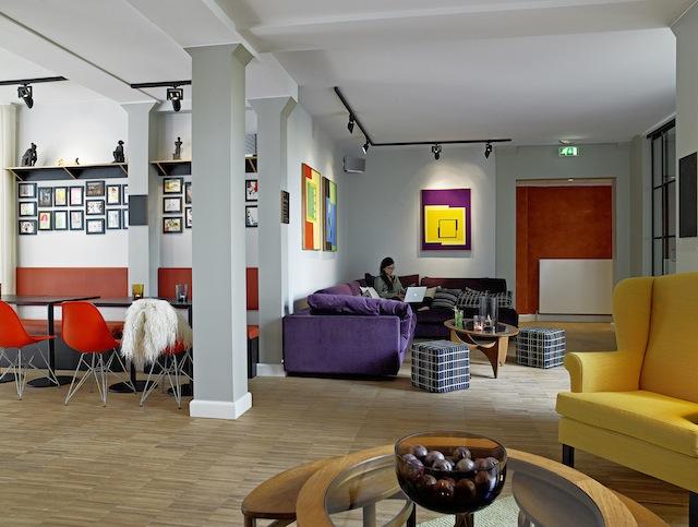 Ibsens-Hotel-Lobby-sofas