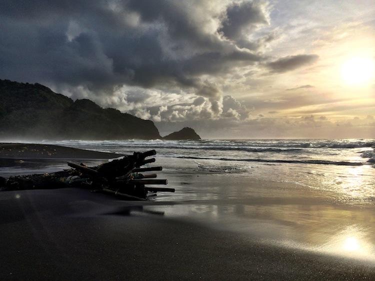 Rosealie Bay Beach