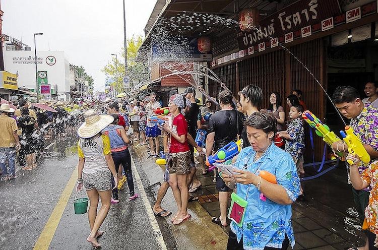 5 tips to survive Songkran