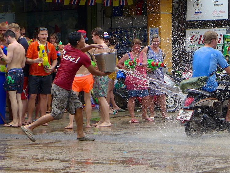 5 tips to survive Songkran festival in Thailand
