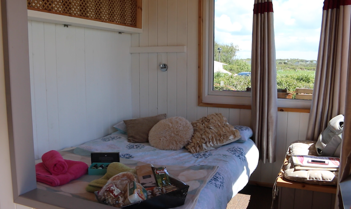 Shepherd hut - double bed