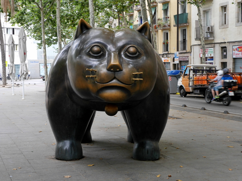 things to see in Barcelona, barcelona things to do, what to do in Barcelona, Barcelona, El Raval, Cat Statue, Barcelona Guide-
