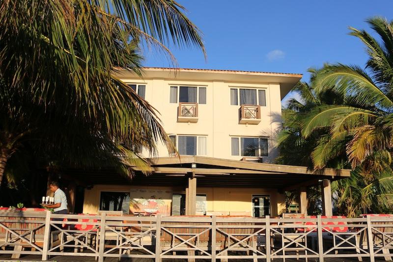Hulhule Island Hotel beach bar