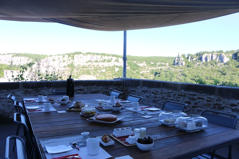 Breakfast at Chateau de Balazuc