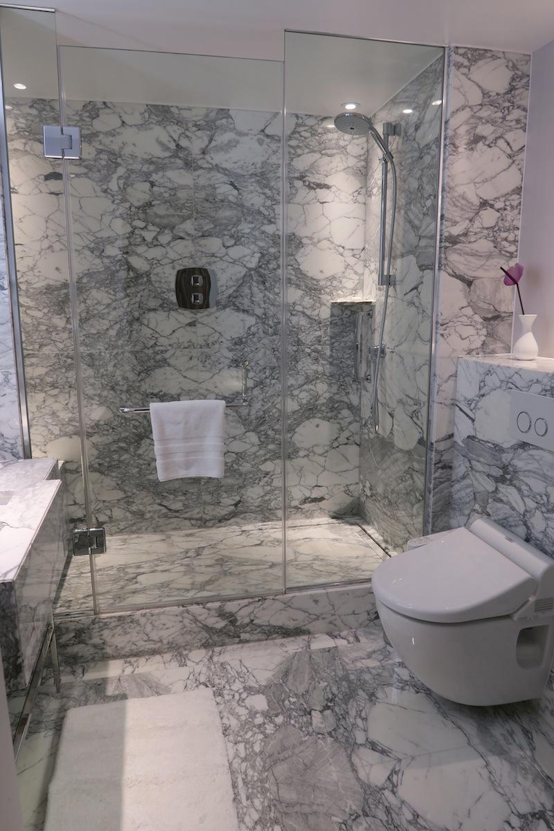 Bathroom at Marriott Hotel Park Lane