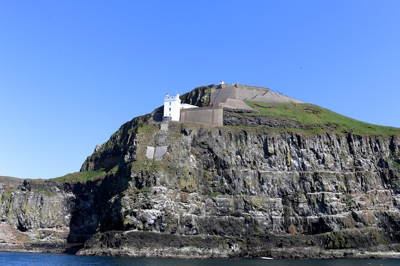 The perfect itinerary for a weekend in Northern Ireland - Lighthouse from sea safari