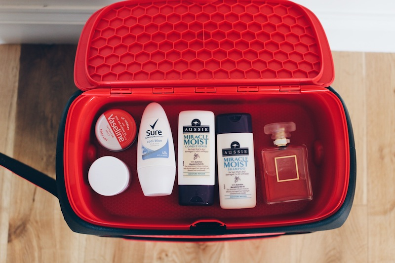 Jurni Suitcase review on The Travel Hack travel blog