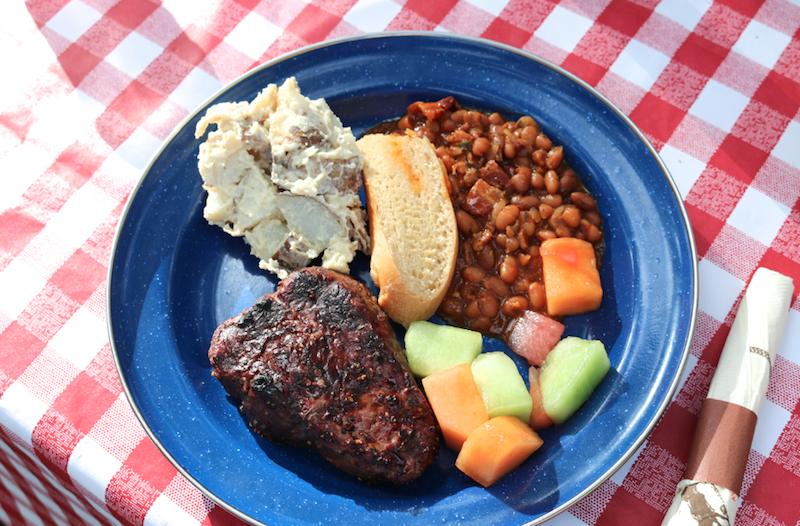 steakfry-dinner-at-flathead-lake-lodge