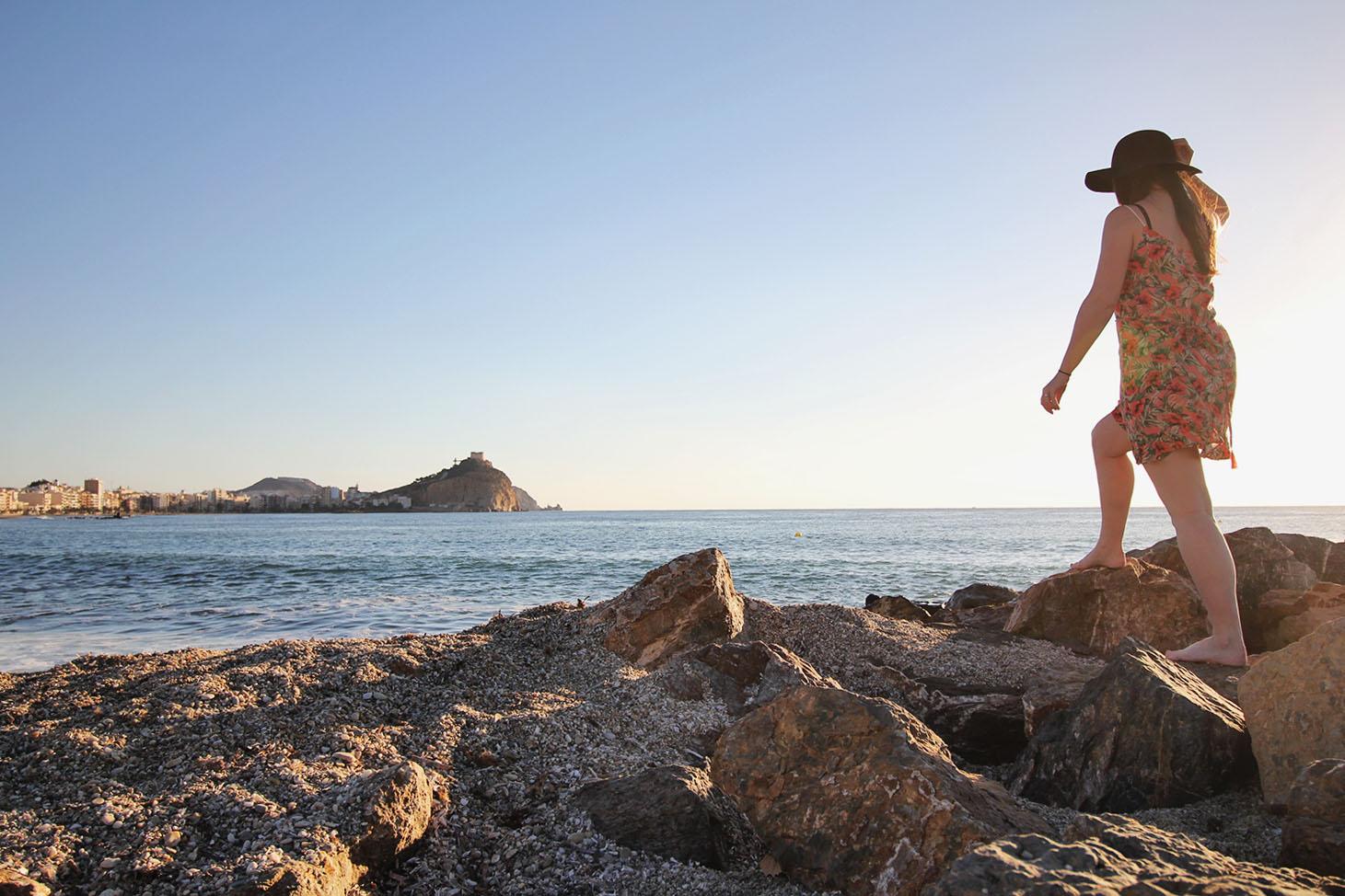 walking-on-the-rocks
