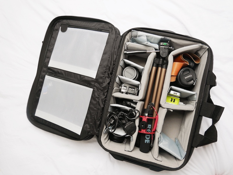 Safely travelling with my blogging equipment with the Calumet Rolling Camera Case