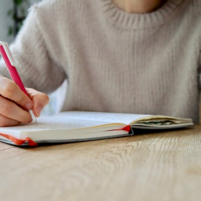 Can you develop a new habit in 21 days? I'm trying it out by writing morning pages